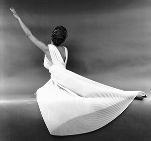 """""""Fashion""""Model wearing a Vanity Fair gown1949 © 2000 Mark Shaw - Image 3956_0859"""