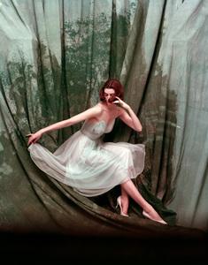"""Fashion"" Vanity Fair 1953 © 2000 Mark Shaw - Image 3956_0873"