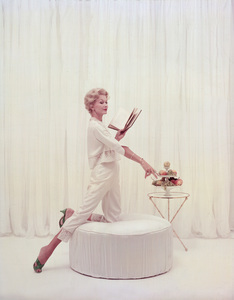 """Fashion"" Lisa Fonsagrives circa 1960 © 2000 Mark Shaw - Image 3956_0888"
