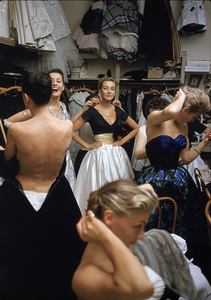 """Fashion""Models backstage at the Pierre Balmain Couture show / Paris, France1954 © 2005 Mark Shaw - Image 3956_0922"