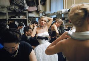 """Fashion""Models backstage at the Pierre Balmain Couture show / Paris, France1954 © 2005 Mark Shaw - Image 3956_0931"