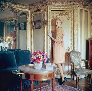 "Dior fashion model wearing ""Theatre de France"" dress (Spring-Summer Haute Couture collection, Silhouette de demain line)1960© 2013 Mark Shaw - Image 3956_0933"