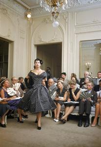 "Dior fashion model Victoire wearing the ""Porto Rico"" dress (Autumn-Winter Haute Couture collection, H line)1954© 2013 Mark Shaw - Image 3956_0934"