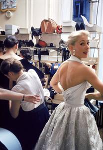 """Fashion""Models backstage at the Pierre Balmain Couture show / Paris, France1954 © 2005 Mark Shaw - Image 3956_0941"