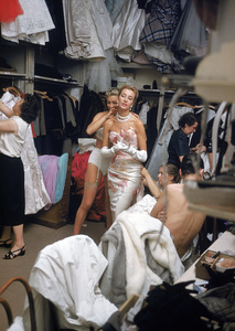 """Fashion""Models backstage at the Pierre Balmain Couture show / Paris, France1954 © 2005 Mark Shaw - Image 3956_0942"