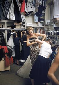 """Fashion""Models backstage at the Pierre Balmain Couture show / Paris, France1954 © 2005 Mark Shaw - Image 3956_0943"