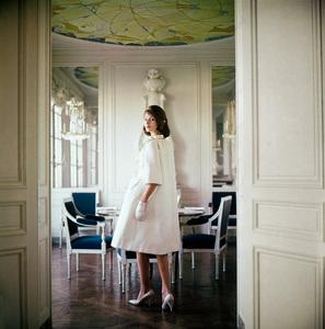 Fashion modelcirca 1960 © 2008 Mark Shaw - Image 3956_0994
