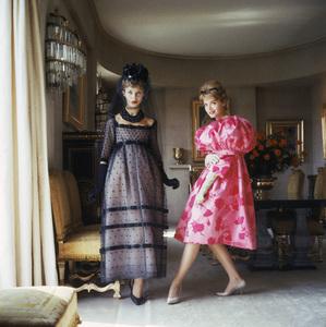 Models in Paris apartment 1960 © 2008 Mark Shaw  - Image 3956_1002