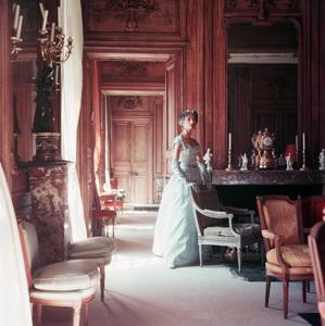Jane Sprague wearing Jacques Fath1953 © 2008 Mark Shaw - Image 3956_1017