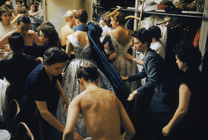 Backstage at the Pierre Balmain Couture show1954 © 2008 Mark Shaw  - Image 3956_1026