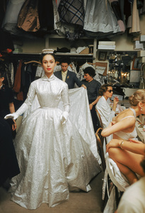 Backstage at the Pierre Balmain Couture show1954 © 2008 Mark Shaw  - Image 3956_1027