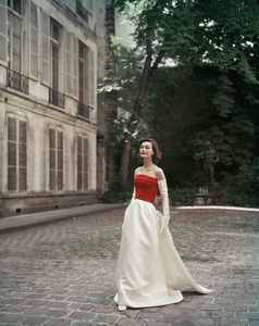 Fashion ModelSeptember 5, 1955 © 2008 Mark Shaw  - Image 3956_1028