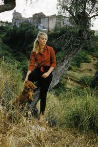 Donna Mirta Barberini-Colonna de Sciarra in Italy published in LIFE magazine on November 4, 1957 © 2010 Mark Shaw - Image 3956_1029