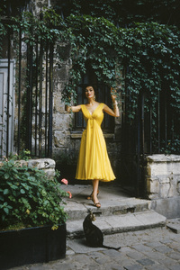 Model in Paris1955 © 2010 Mark Shaw  - Image 3956_1033