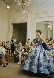 """Dior fashion model Victoire wearing """"Compiegne"""" dress (Autumn-Winter Haute Couture collection, H line)1954© 2013 Mark Shaw - Image 3956_1114"""