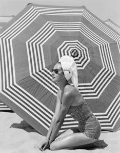 Fashion model1953© 1978 John Engstead - Image 3956_1252