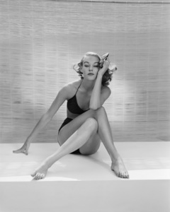 Fashion model (JoAnne Aehle)1955© 1978 John Engstead - Image 3956_1258