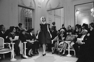 Dior fashion model Kouka wearing dress (Spring-Summer 1961 Haute Couture collection, Slim Look line)1961© 2017 Mark Shaw - Image 3956_1260