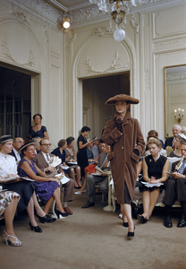 Dior fashion model Renée wearing brown ensemble (Autumn-Winter 1954 Haute Couture collection, H line)1954© 2017 Mark Shaw - Image 3956_1261