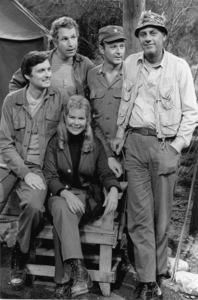 """M.A.S.H."" Alan Alda, Wayne Rogers, Loretta Swit,Larry Linville, McLean Stevenson1975 © 1978 Gunther - Image 3958_0072"