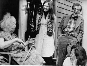 """""""Annie Hall""""Helen Ludlam, Diane Keaton, Woody Allen, Colleen Dewhurst1977 UA - Image 3961_0011"""