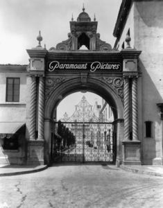 Hollywood and Los Angeles LandmarksFront of Paramount Pictures Studioc. 1950 - Image 3972_0001