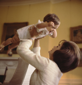 John Kennedy Jr. and Jacqueline Kennedy at The White House1961 © 2000 Mark Shaw - Image 4027_0041