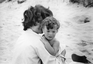 Jacqueline Kennedy and daughter Caroline at Hyannis Port 1959 © 2000 Mark Shaw - Image 4027_0044