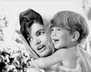 Jacqueline Kennedy and John Kennedy Jr. at Palm Beach 1963 © 2000 Mark Shaw - Image 4027_0051
