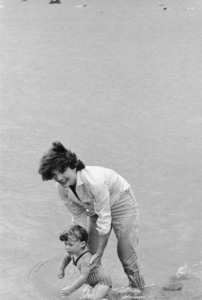 Caroline Kennedy and Jacqueline Kennedy at Hyannis1959 © 2000 Mark Shaw - Image 4027_0073