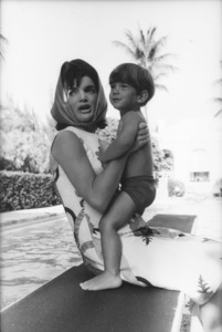 Jacqueline Kennedy and John Kennedy Jr. at Palm Beach1963 © 2000 Mark Shaw - Image 4027_0078