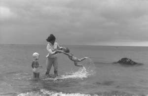 Jacqueline Kennedy and Caroline Kennedy at Hyannis Port 1959 © 2000 Mark Shaw - Image 4027_0094
