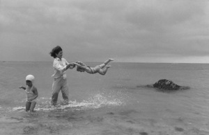 Jacqueline Kennedy and Caroline Kennedy at Hyannis Port 1959 © 2000 Mark Shaw - Image 4027_0095