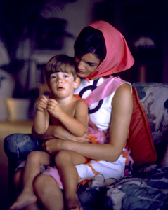 Jacqueline Kennedy and John Kennedy Jr. at Palm Beach1963 © 2000 Mark Shaw - Image 4027_0114