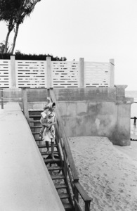 Jacqueline Kennedy and John Kennedy Jr. in Palm Beach, Florida1963© 2012 Mark Shaw - Image 4027_0177