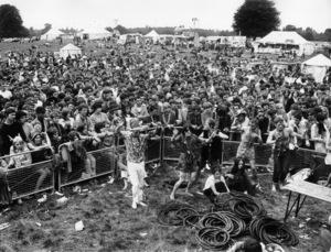"""Hippies (British """"Love-In"""" at Woborn Abbey, home of the Duke and Duchess of Bedford)September 1967 - Image 4102_0016"""