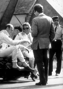 """""""Le Mans""""Steve McQueen, Richard Attwood andGerard Crombac on the set1971 Solar Productions © 1978 Mel TraxelMPTV - Image 4170_0002"""