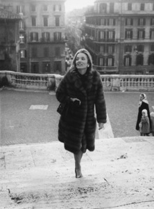 Princess Lee Radziwillwalks up the famed Spanish Steps of Rome during a sightseeing tourJanuary 31, 1969 - Image 4178_0001