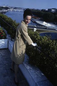 Lee Radziwill sporting a beige coat1962 © 2000 Mark Shaw - Image 4178_0011