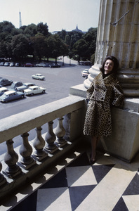Lee Radziwill in a leopard print suit1962 © 2000 Mark Shaw - Image 4178_0031