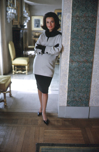 Lee Radziwill in St. Laurent fashion1962 © 2000 Mark Shaw - Image 4178_0037