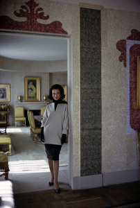 Lee Radziwill in St. Laurent fashion1962 © 2000 Mark Shaw - Image 4178_0051