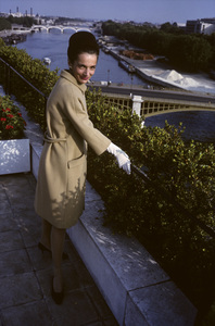 Lee Radziwill sporting a beige coat1962 © 2000 Mark Shaw - Image 4178_0054
