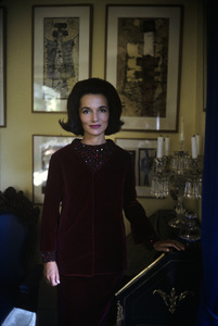 Lee Radziwill in St. Laurent fashion1962 © 2000 Mark Shaw - Image 4178_0055
