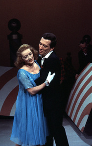 """""""Andy Williams Show, The"""" 1962.Bette Davis, Andy Williams © 1978 David Sutton - Image 4183_0009"""