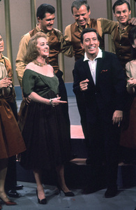 """""""Andy Williams Show, The"""" 1962.Bette Davis, Andy Williams © 1978 David Sutton - Image 4183_0012"""