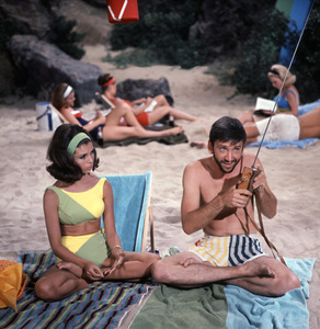 """""""For Those Who Think Young""""Nancy Sinatra, Bob Denver1964 United Artists © 1978 Ted Allan - Image 4267_0001"""