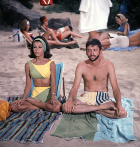 """""""For Those Who Think Young""""Nancy Sinatra, Bob Denver1964 United Artists © 1978 Ted Allan - Image 4267_0002"""