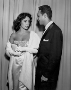 """Academy Awards - 20th Annual""Elizabeth Taylor, Stanley Donen1948**I.V. - Image 4387_0003"