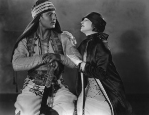 """Son of the Sheik, The""Rudolph Valentino with Vilma Banky1926 United ArtistsPhoto by Nealson Smith**I.V. - Image 4408_0007"